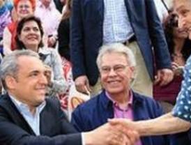 Felipe González critica que Simancas hable de derechos y no de obligaciones