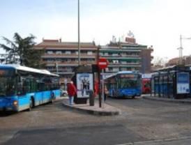 Una plataforma vecinal pide que los niños no paguen en el autobús ni en el metro