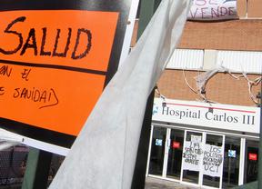 Protesta contra la transformación del hospital Carlos III