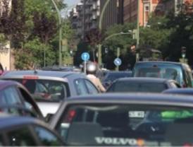 Pequeñas retenciones en la capital complican el tráfico
