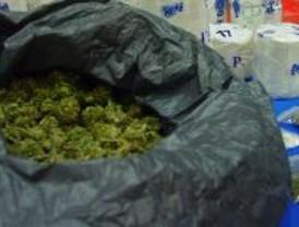 Un detenido por un guardia civil fuera de servicio por vender droga a menores