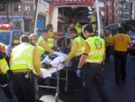 Herida muy grave una anciana tras ser atropellada cerca del puente de Toledo