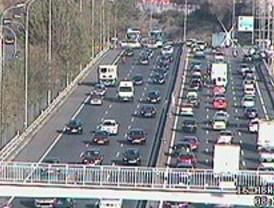 Este lunes amanece con mucho tráfico