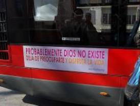 Los autobuses religiosos y ateos ya recorren Madrid