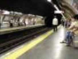 Metro refuerza sus servicios durante las navidades