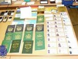 Ocho detenidos por falsificación de documentos, estafa y blanqueo de capitales