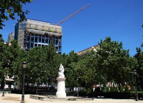 Las obras en la Audiencia Nacional afean la plaza de París