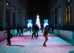 Abre la pista de hielo en el Palacio de Cibeles