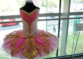 35 años de historia de la Compañía Nacional de Danza a través de sus vestidos