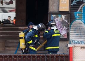 Decenas de bomberos se concentran contra las presiones que denuncian estar sufriendo