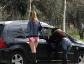 Denuncian el regreso de la prostitución y del tráfico a la Casa de Campo por la falta de agentes