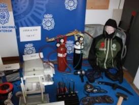 Cae un grupo de butroneros que robó joyerías, una administración de lotería y una oficina de correos