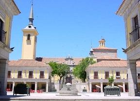 La Comunidad tendrá que decidir si quita las placas franquistas de la plaza de Brunete