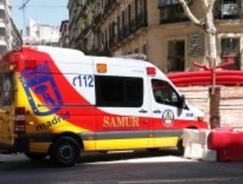 Tres heridos, uno de ellos grave, al chocar un coche y una moto en Quevedo