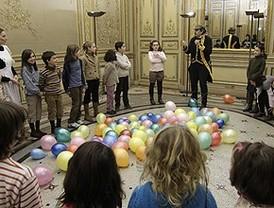 El Palacio de Linares se abre a los niños para que aprendan jugando