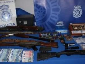 Guardaban armas de guerra en la Cañada