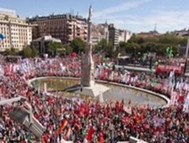 Sindicatos y organizaciones sociales se manifiestan en 57 ciudades contra los Presupuestos