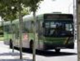 Una nueva línea de autobús comunica Sevilla la Nueva con Madrid