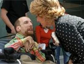 Aguirre promete triplicar las ayudas a discapacitados de Zapatero