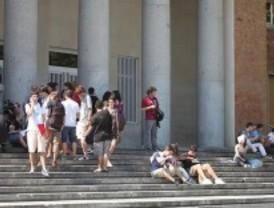 La matrícula universitaria en Madrid cuesta este año entre 850 y 7.300 euros