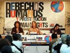 Botella dice que 'la prostitución es una forma de esclavitud y ejemplo de violencia contra la mujer'