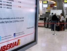 Iberia ha cancelado 94 vuelos este viernes