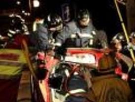 Mueren tres jóvenes en la A-5 al salirse su vehículo de la calzada
