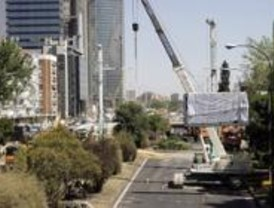 Las grúas ya ocupan el verano de Plaza de Castilla