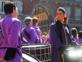 La tradicional Tamborrada pone punto y final a la Semana Santa madrileña