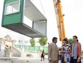 Aguirre promete que eliminará las aulas prefabricadas antes de que acabe el curso