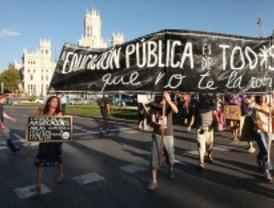 Los sindicatos educativos trasladan la huelga de este miércoles al próximo martes