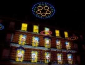 La Plaza Mayor felicita las navidades con luces y sonido
