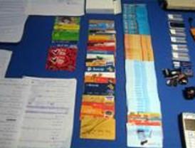 La Policía desarticula una banda de falsificadores de tarjetas bancarias