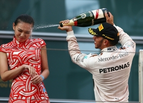 Hamilton recobra su trono en el GP de China