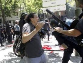 La Delegación del Gobierno investiga la agresión al fotógrafo de Madridiario