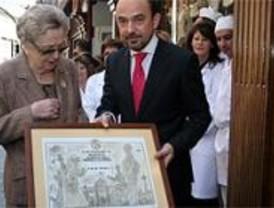 Casa Mira y Farmacia Arenal reconocidas como establecimientos centenarios