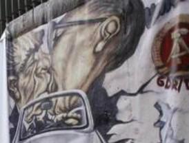 Madrid simula el muro de Berlín