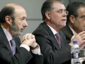 Reproches entre PP y PSOE en el Congreso por la cacería de Bermejo y Garzón
