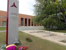 La 'Complu' debe retirar la estatua a los brigadistas