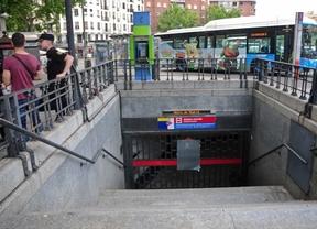 Entrada al metro de Embajadores (archivo)