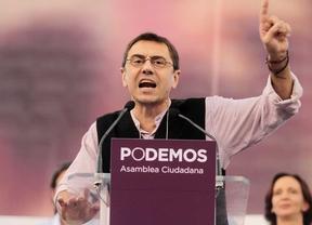 Juan Carlos Monedero durante la asamblea ciudadana de Podemos en el palacio de Vistalegre.