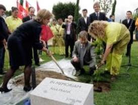 Monumento vivo a Ana Frank, en el Juan Carlos I