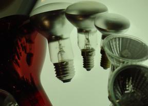 Los consumidores se movilizan ante las subidas de la luz