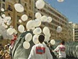 El cielo, lleno de globos con ideas para un consumo sostenible
