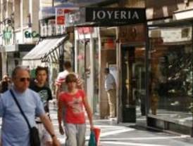 El 70% del comercio madrileño vende artículos nuevos como ropa, calzado o libros
