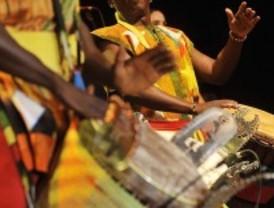 Ritmos africanos en el Festival de Arte Sacro