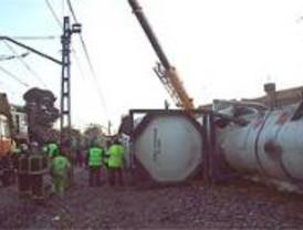 La colisión entre dos trenes provoca el descarrilamiento de seis vagones