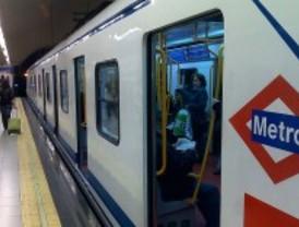 Metro 'tunea' los viejos trenes de la L6