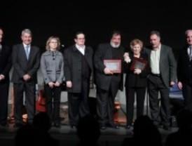 San Sebastián de los Reyes premia al escultor Utande y el trabajo solidario de Ángela Martín