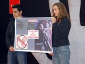 Alumnos madrileños denuncian el maltrato a la mujer